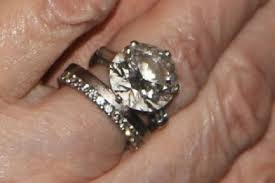 10000 engagement ring pictured diamond ring stolen from nuthall in their garden