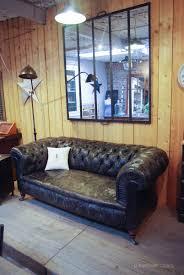 canapé angleterre ancien canapé chesterfield en cuir par le marchand d oublis