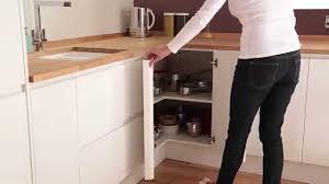 meuble angle bas cuisine meuble bas d angle à étagère