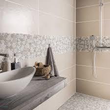 cuisine lambris revetement mur cuisine avec revetement mural salle de bain adhesif