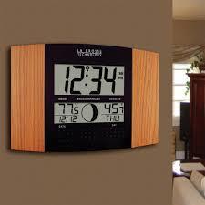la crosse technology atomic full calendar digital clock with extra