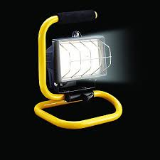 wickes defender halogen portable floodlight 120w r7s wickes co uk
