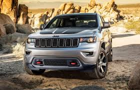 first jeep cherokee nyias 2017 jeep grand cherokee trailhawk and summit visual
