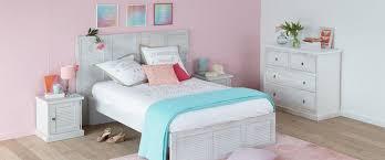 deco chambre girly une chambre douce et girly chambre décoration intérieur alinéa