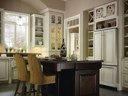 Chocolate Glaze Kitchen Cabinets Plaza Maple Amaretto Creme U0026 Oak Chocolate Kitchen By Thomasville