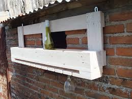 porte en verre pour meuble de cuisine etagère de bar en bois de palette pour bouteilles et verres