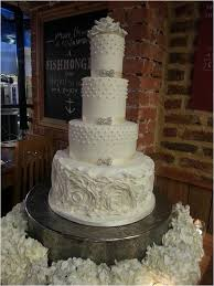 the prettiest u0026 coolest wedding cake trends for 2014