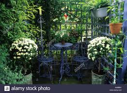 private garden london design jonathan baillie secluded seating