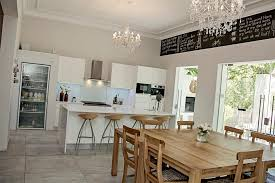 kitchen and dinning room cape karoo guest house