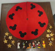 vintage disney miniature felt tree skirt 17 ornaments