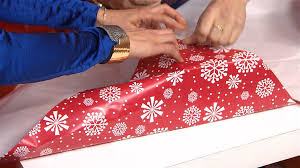 How To Gift Wrap A Present - wrap a present in under 15 seconds with this holiday hack today com