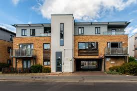 One Bedroom Flat Southend 1 Bedroom Flat For Sale On Station Court 105 107 Ambleside Drive