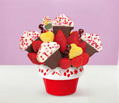 edible deliveries edible arrangements 2014 s day gift guide edible news