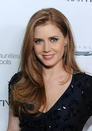 a side part with long hair and a swoop and a cross amy adams long side part amy adams amy adams hair and amy