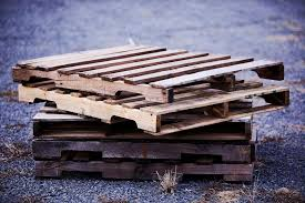 find and choose the best wood pallets for diy projects