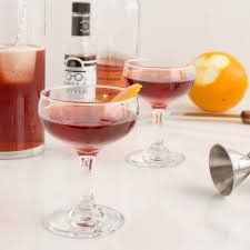 find the perfect gift for wine lovers mixologist cocktail