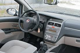 Fiat Linea Interior Images View Of Fiat Linea 1 3 Multijet Photos Video Features And