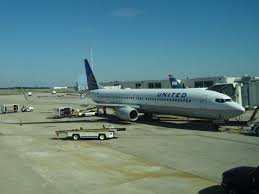 united airlines media baggage file united airlines at gate in orlando jpg wikimedia commons