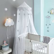 chambre beb chambre bébé des idées déco cosy ciel de lit enfant barreau et