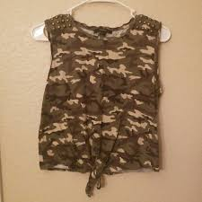 army pattern crop top forever 21 tops army crop top poshmark