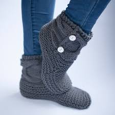 womens slipper boots nz simple knit slipper booties free pattern the woven