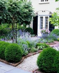 front garden ideas 1000 ideas about small front gardens on