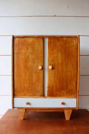 armoire vintage enfant armoire de poupée mobilier vintage pour enfants ribambelle