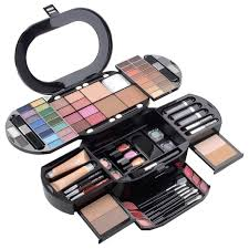 amazon com cameo carry all beauty case 90pc pro make up set