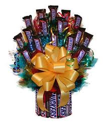 candy bar bouquet all snickers candy bouquet hayneedle