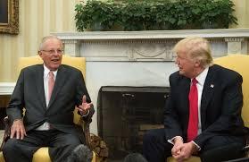 bureau president americain le président péruvien à je préfère les ponts aux murs