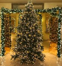 beverly hills christmas lights christmas tree at the four seasons hotel los angeles at beverly