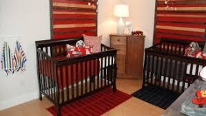 chambre de bébé jumeaux chambre bebe jumeaux chambre jumeaux mixte pin dco mixte pour la