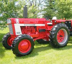 do you think my 1951 farmall m southwestern style deserves to win