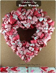s day wreath s day heart wreath with free tutorial