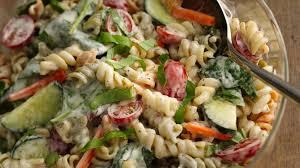 pasta slad ranch spinach pasta salad recipe bettycrocker com