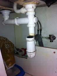 ecoulement evier cuisine tuyau d évacuation d évier dévié