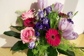 purple and pink small floral arrangement free image peakpx
