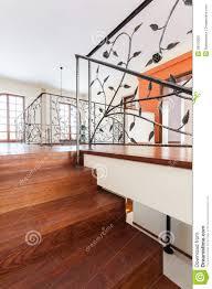 haus treppen preise nobles haus elegante treppen stockfoto bild 29379260