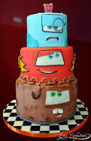 lightning mcqueen cakes cars 2 cake with tow mater lightning mcqueen and professor zed