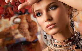 woman with necklace images Woman necklace earrings 6978004 jpg
