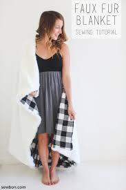 Cheap Faux Fur Blanket Top 25 Best Faux Fur Blanket Ideas On Pinterest Faux Fur Throw