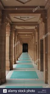 hallways with one point perspective stock photos u0026 hallways with