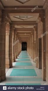 hallways hallways with one point perspective stock photos u0026 hallways with