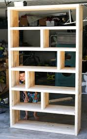 Wood Bookcase Plans Free by Best 25 Rustic Bookshelf Ideas On Pinterest Bookshelf Diy Diy