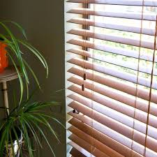 How To Dust Wood Blinds Best Way To Clean Faux Wood Venetian Blinds Thecarpets Co