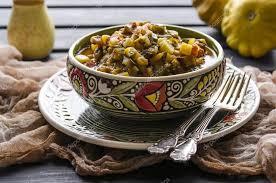 faire revenir en cuisine faire revenir les verts et les pommes de terre légumes courgettes