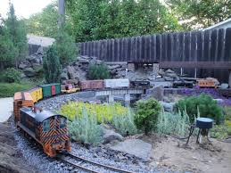 garden railway layouts western pacific railroad sacramento valley garden railway society