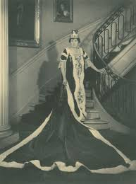 19 preparing for coronation of king george vi 1937 life with