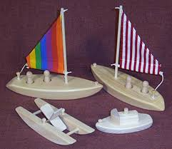 wooden toy bath tub boats sailboat tug boat paddle boat