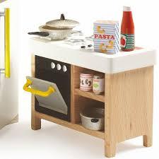 cuisine bois djeco cuisine djeco meubles maison de poupées jouets et merveilles